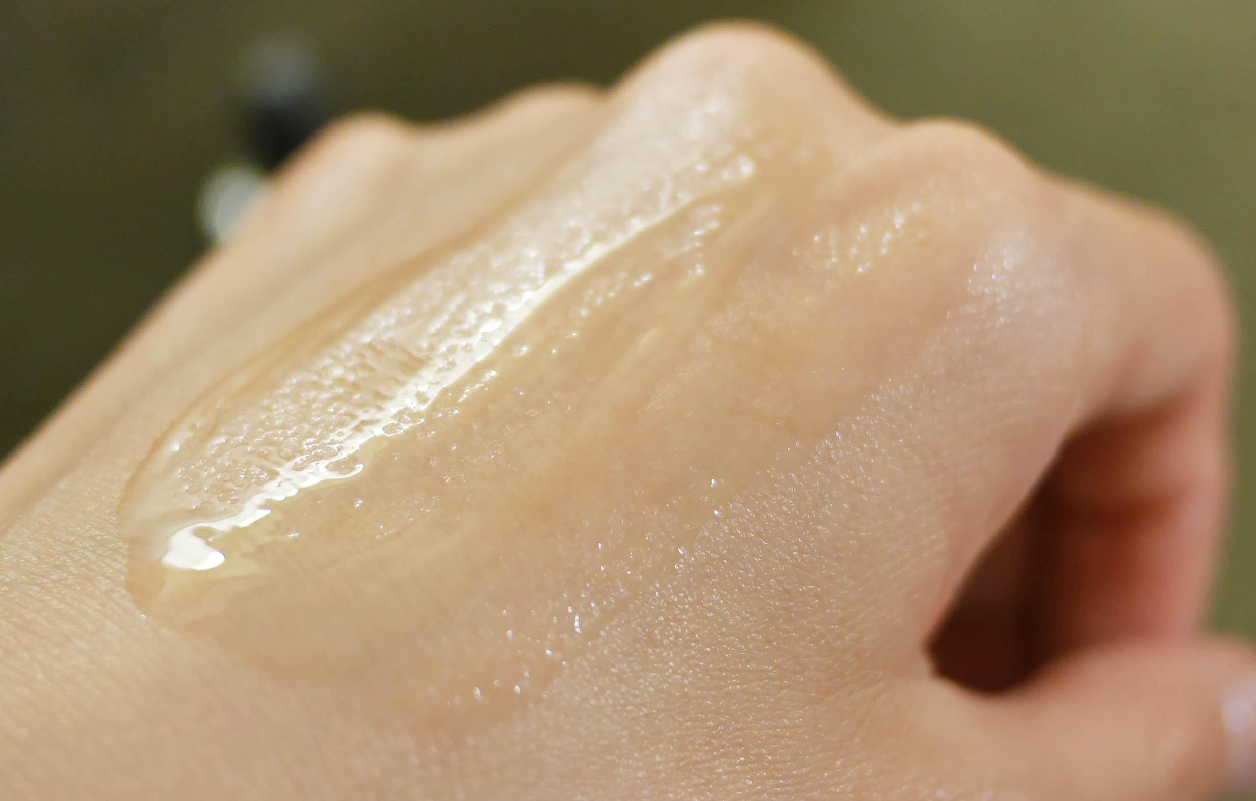 德國的抗敏配方,不含香精色素,敏感性肌膚、孕婦可以使用|高濃度玻尿酸沁媛堂面膜!