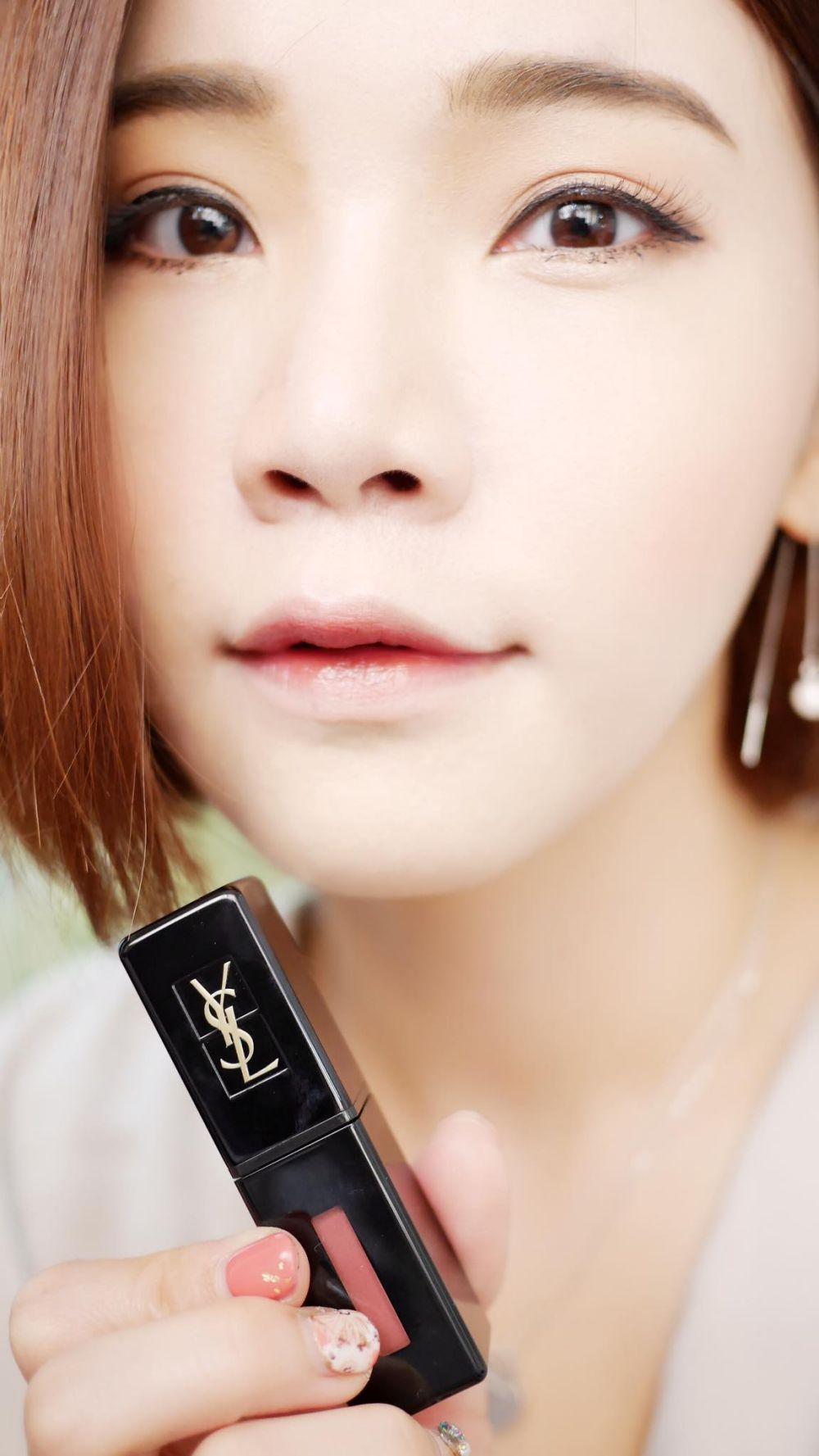 目前擁有的YSL情挑誘光水唇膏、漆光唇釉、鏡光唇釉、精萃 共12色試色文 :))