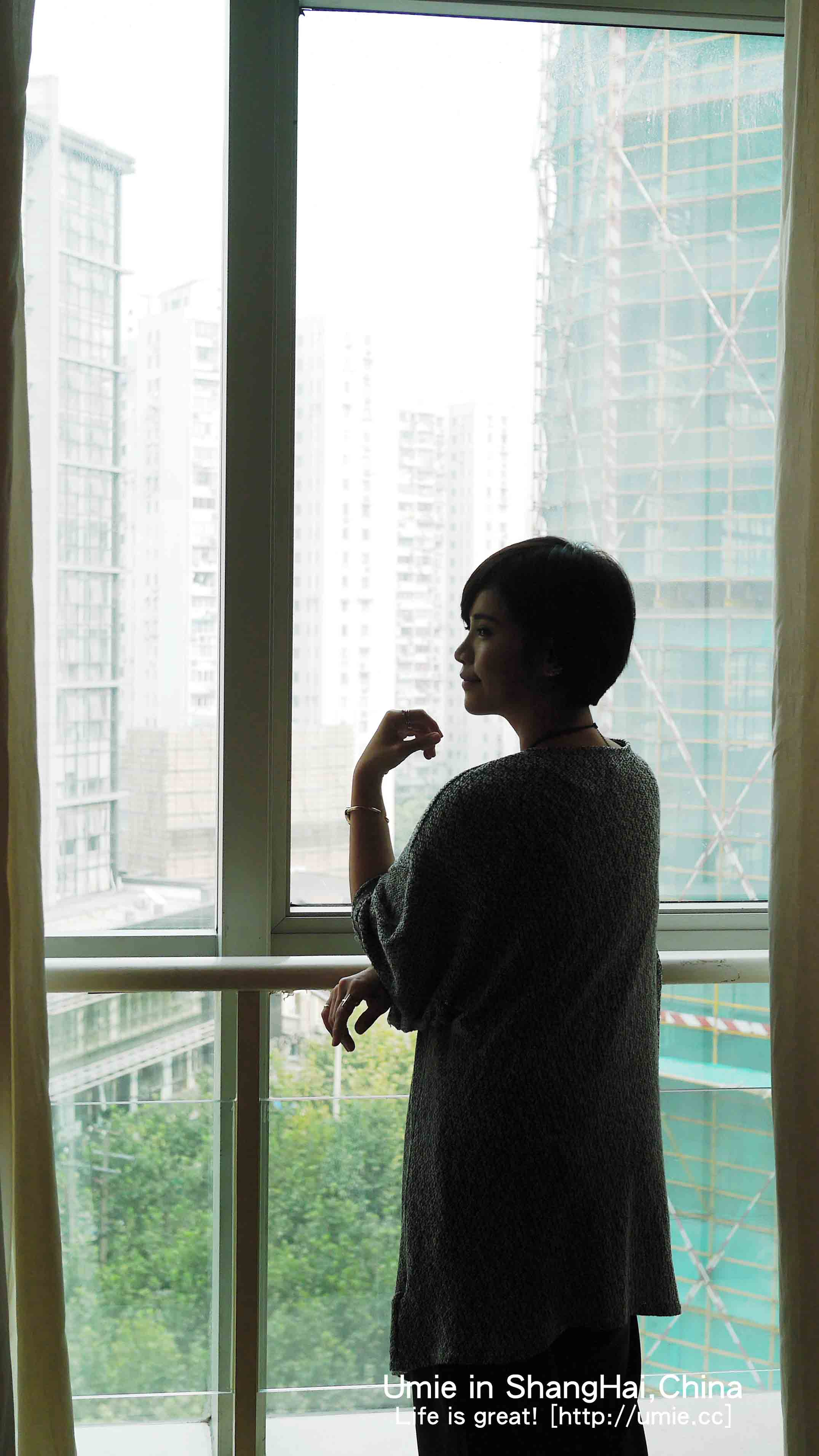 P中國上海住宿推薦-便宜住宿 / 近市區 / 近購物商城 / 附早餐自助吧-靜安區吉臣酒店(Ambassador Hotel)房間設施分享 :)
